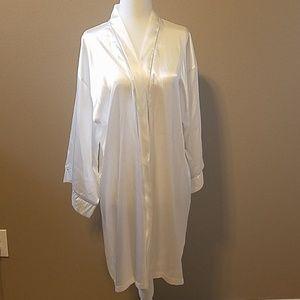 Bride White Robe Small NWT